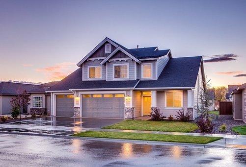 Att välja tapeter eller färg till ditt hus
