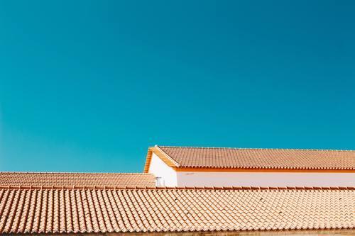När är det dags att lägga om taket på din bostad?